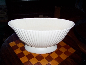 devon trough vase_0.jpg